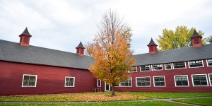 Bennington_Campus_Barn_Fall