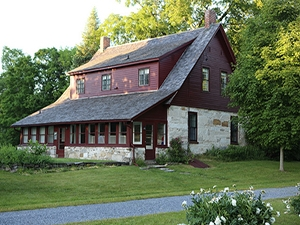 Image of the Robert Frost Stone House Museum