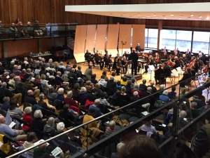 a full house attends symphony performance In greenwall