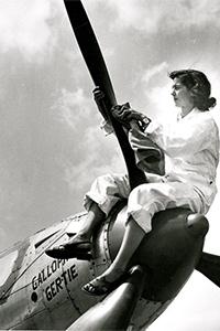 Elizabeth Pfister '43